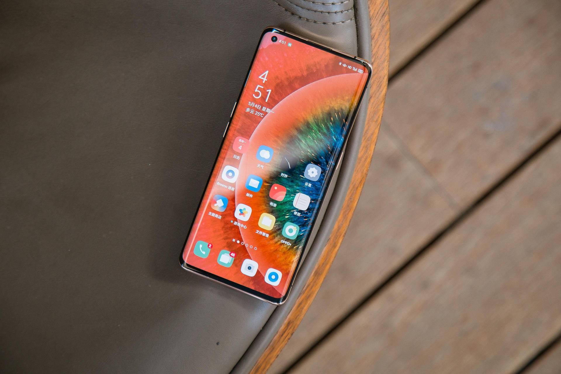 目前买什么手机比较好(现在买手机买什么品牌的好)