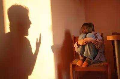 经常挨骂的孩子心理(从小被骂到长大的女生)