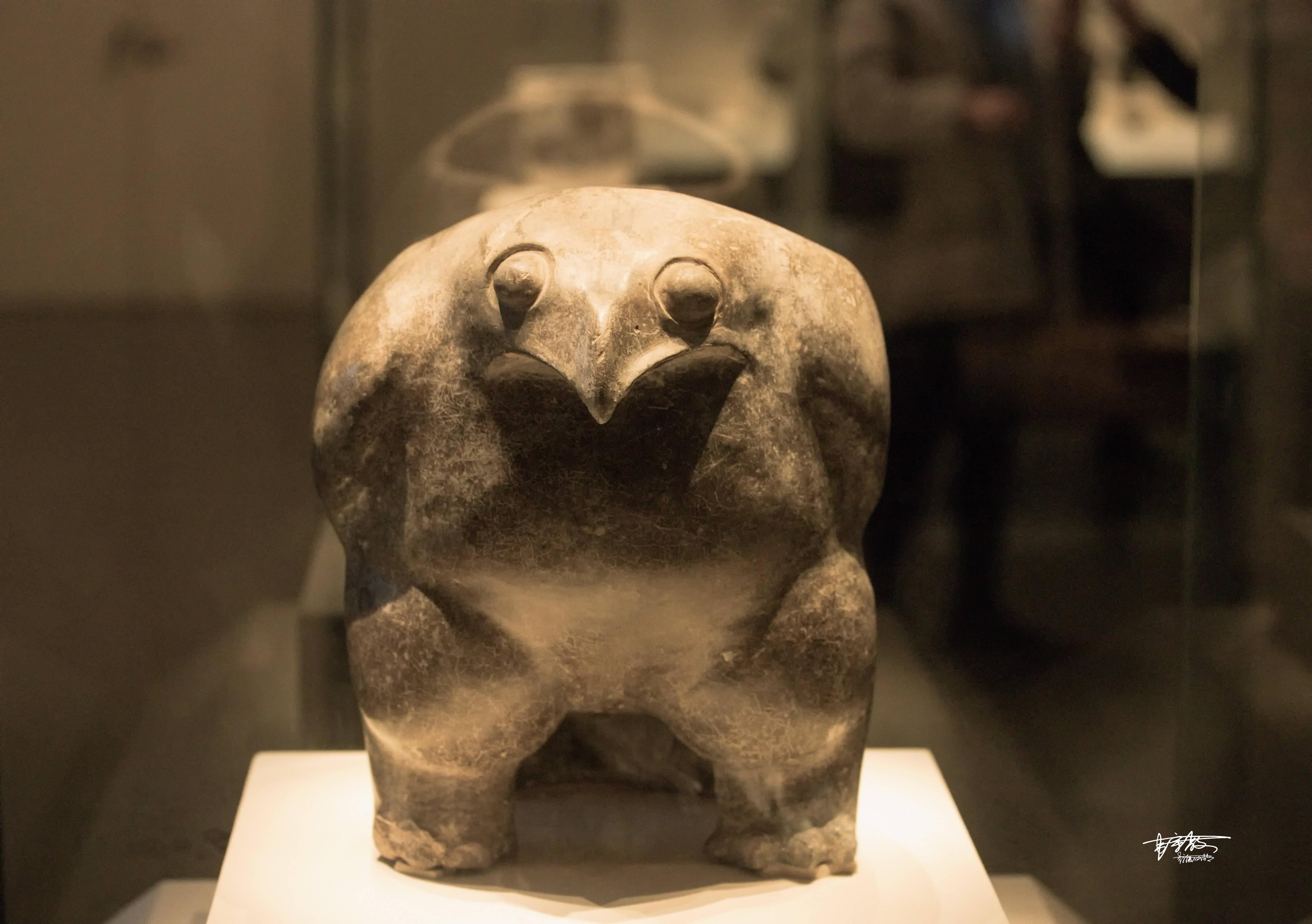 后母戊鼎、四羊方尊、鹰形陶鼎、古代冰箱……你想看的国宝,都在这个博物馆里