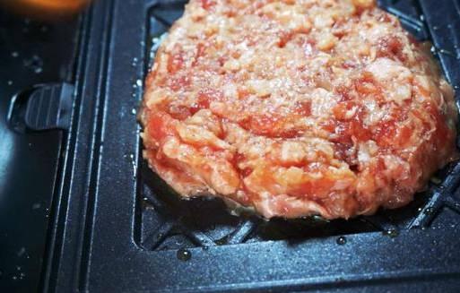 牛肉汉堡包的做法,为什么麦当劳的牛肉汉堡这么好吃? 网络快讯 第10张