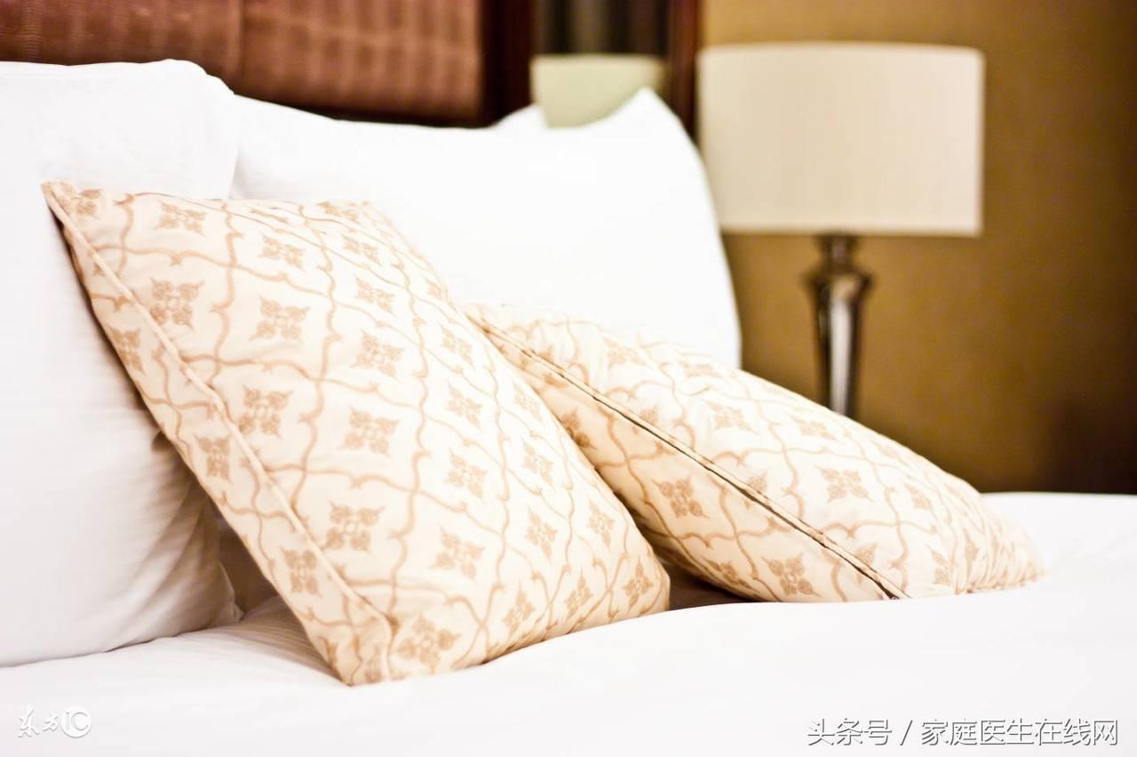 正确的枕头位置图(睡觉时应不应该用枕头)插图(3)
