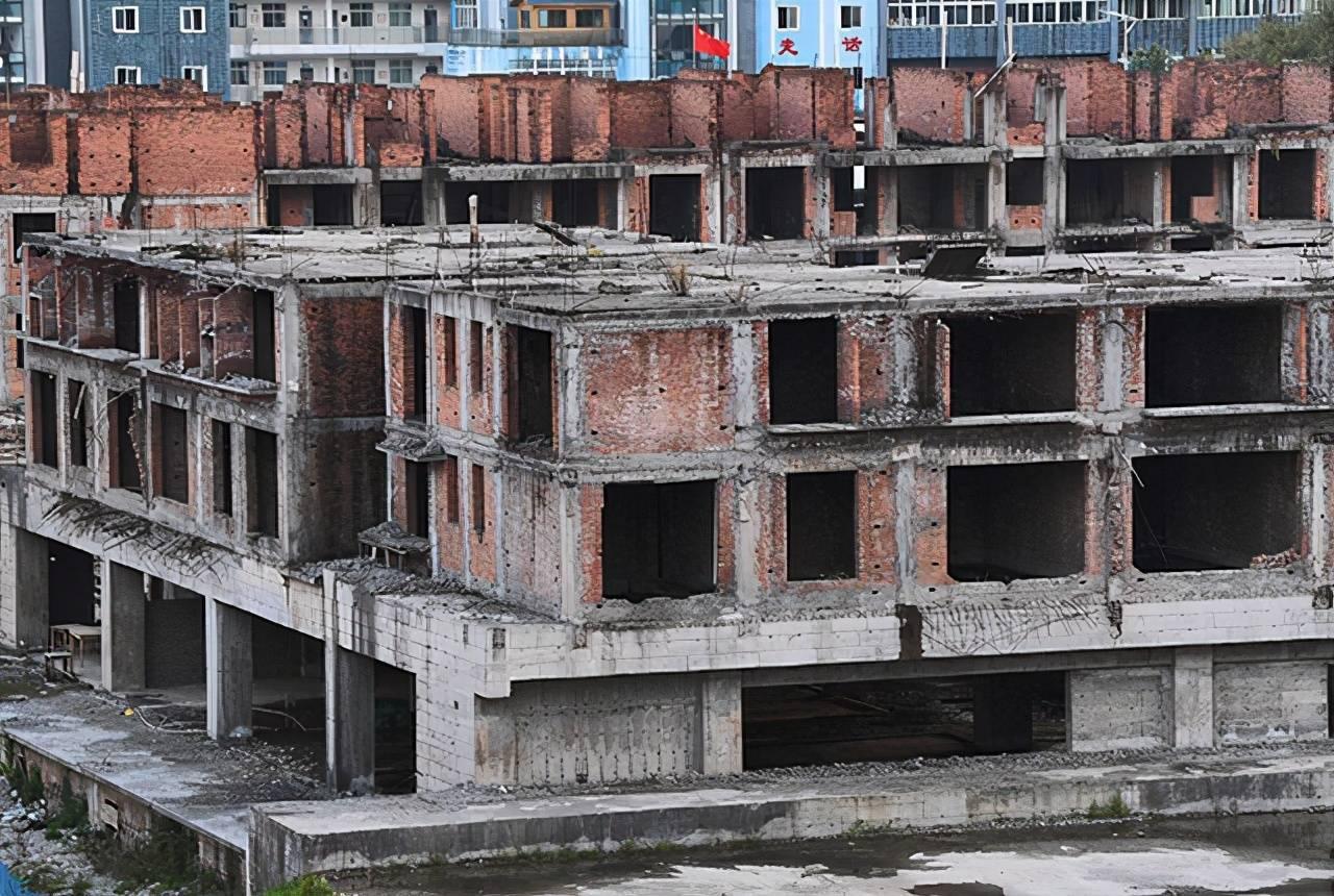 """烂尾楼的泛滥成为了房地产发展的一个""""污点""""插图(1)"""