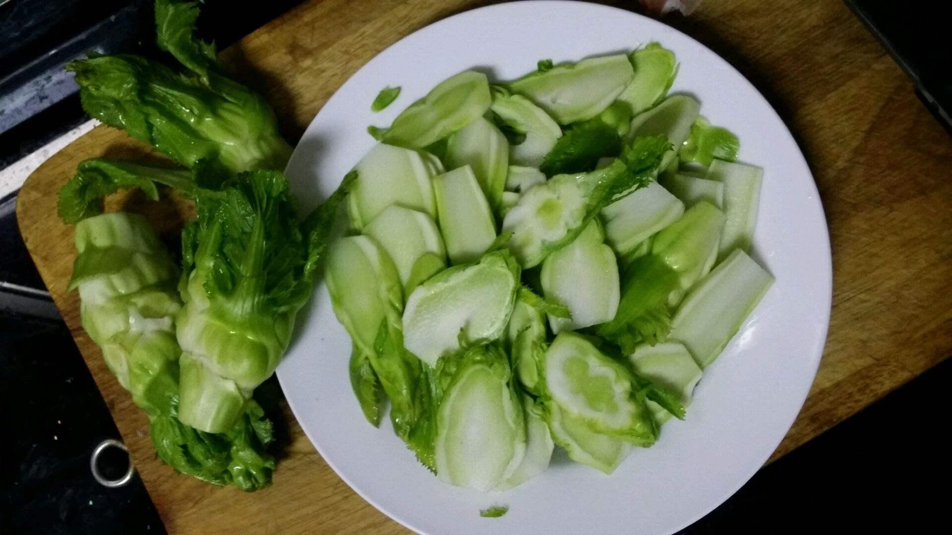 长得像榨菜的蔬菜是什么(儿菜与榨菜的家常做法)插图(4)