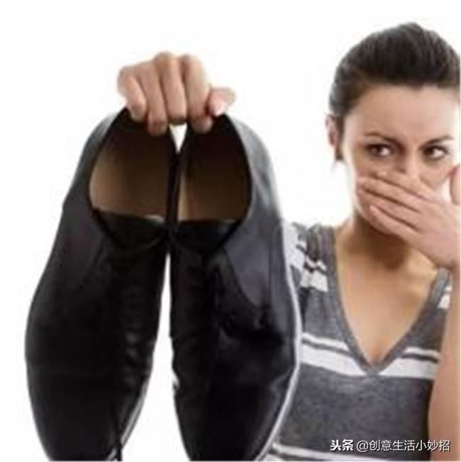 鞋子除臭剂有用吗(教你三个方法快速去脚臭)插图