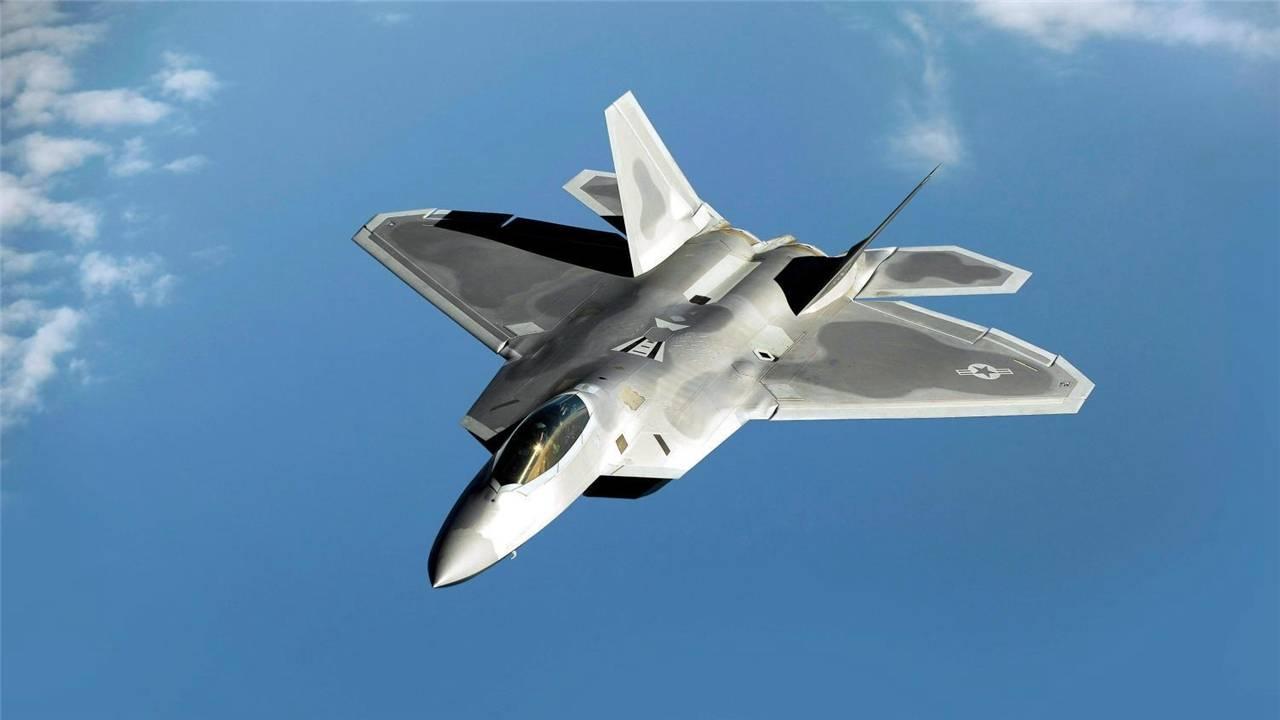 直扑美国领空!6架轰炸机腾空而起破防F22拦截!