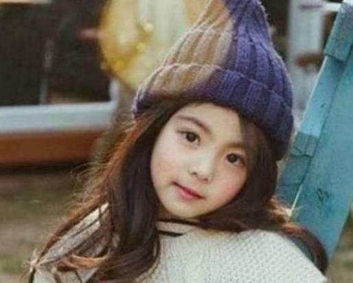 """当初因""""太美""""红遍全球的8岁女孩,父亲辞职当保镖,长大后却成"""