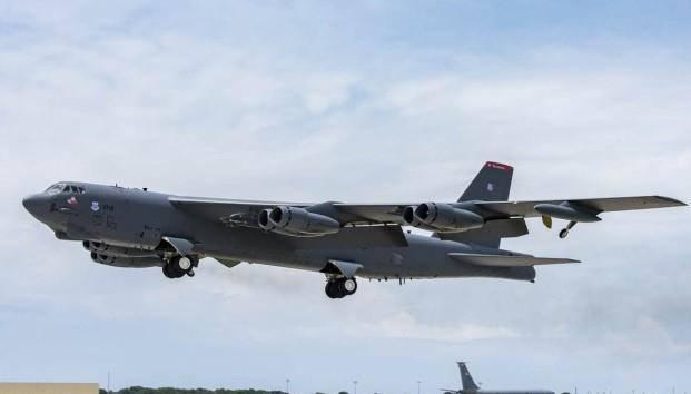 """这是""""贼喊捉贼""""?美军多架B52突然现身北非,声"""
