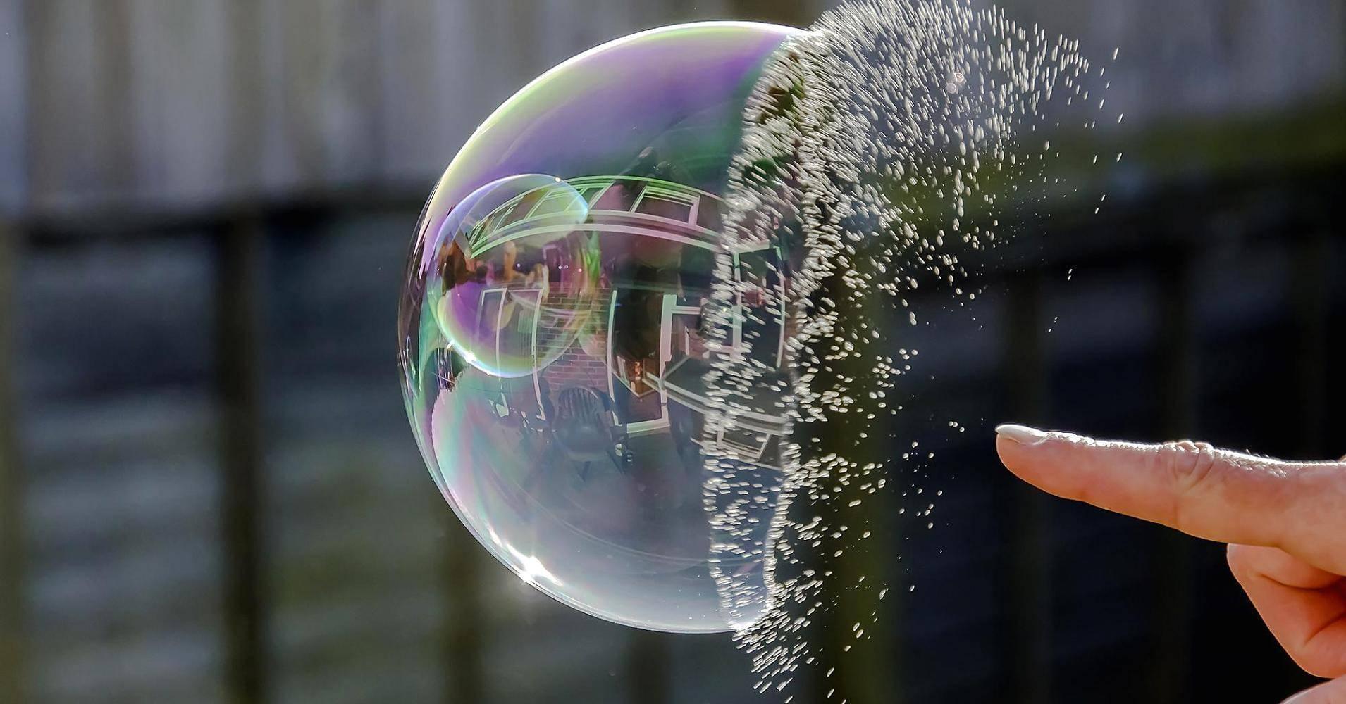 原美全面加税或戳破泡沫酝酿风险