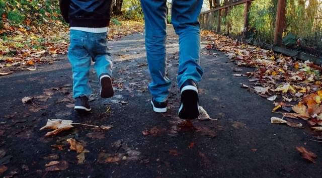 从走路姿势,看出身体健康与否?这3个走路状态说明身体出问题了