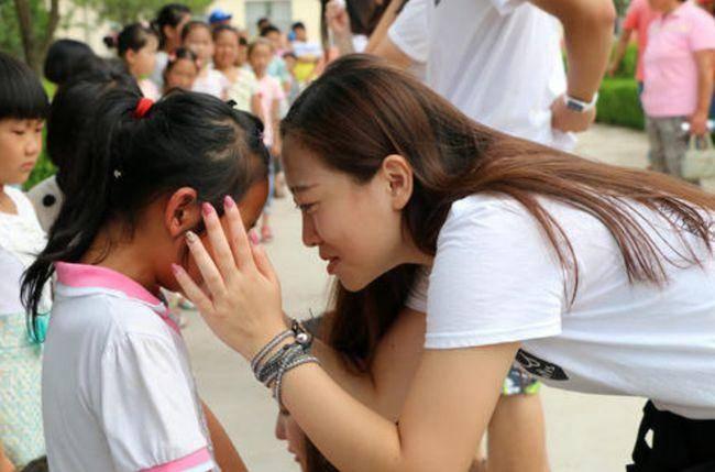 退休幼师:孩子在幼儿园过得顺不顺,3个迹象可判断,家长多留心