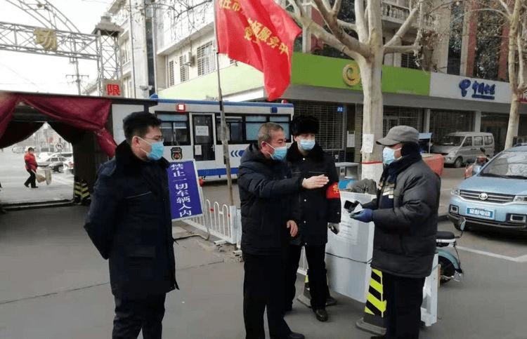 """鹿泉城管:筑便民市场防疫堡""""磊"""""""