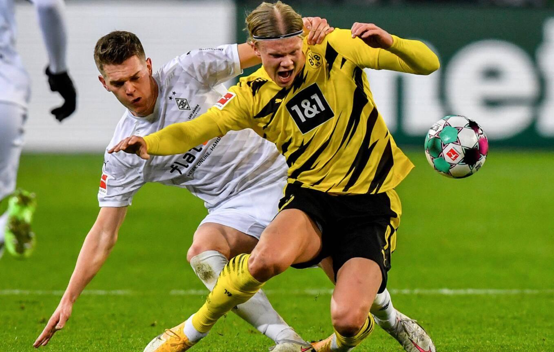 在巴伐利亚德比中1球小胜奥格斯堡的拜仁获得了20-21赛季德甲半程冠军