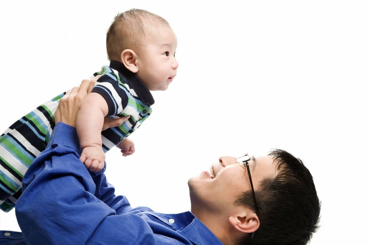 爸爸玩腻了妈妈? 爸爸妈妈歌词李荣浩