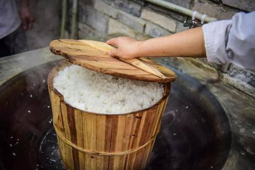 牛牛视频:常吃大米饭会致癌?辟谣:不会致癌,但常吃这3种米饭肝脏受不住