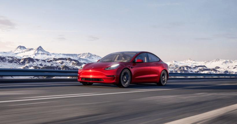 开八万公里后,特斯拉Model 3电池退化8%