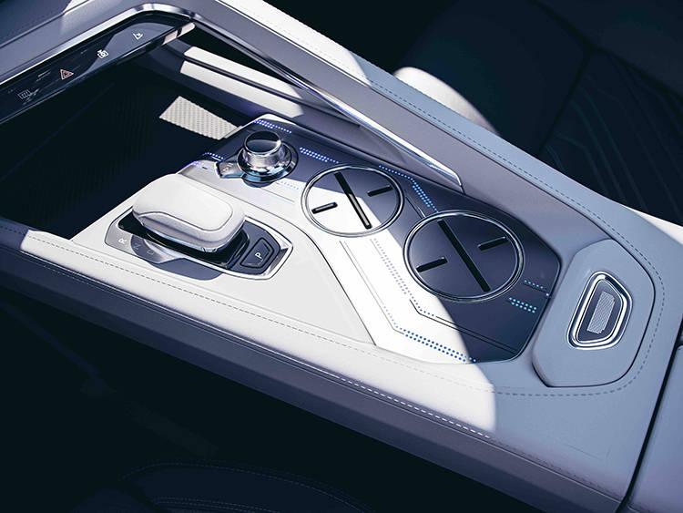 续航最高700公里/零百加速4秒内 领克ZERO将于4月预售
