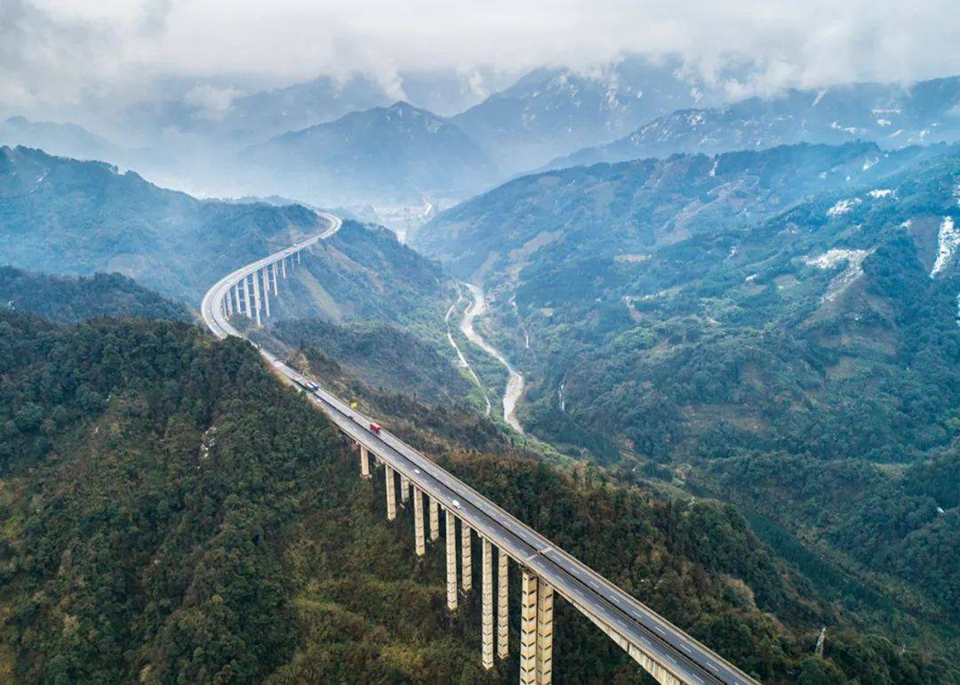 10条逆天中国公路,曾经火爆外网,国内却鲜为人知!
