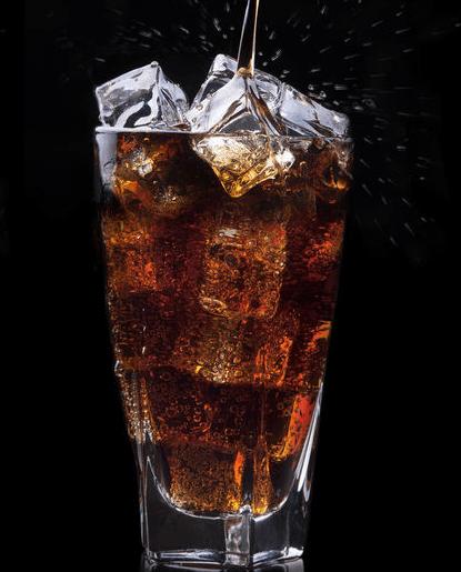 心理测试:在沙漠渴了一天,最想喝哪杯饮料,测你最近有什么好事到来!