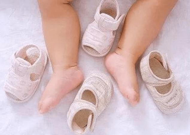 """原创""""穿鞋早""""与""""总光脚""""的孩子,发育过程中区别大?父母别在含糊"""