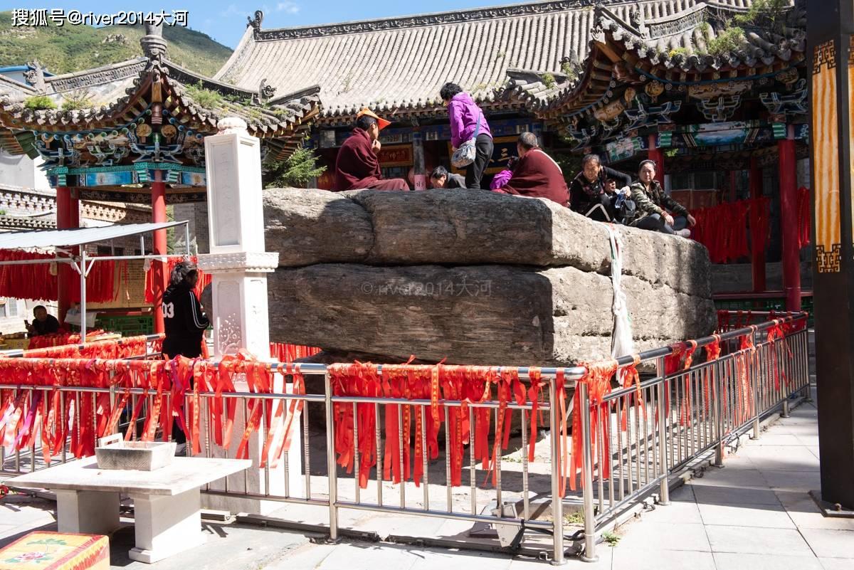五台山这座寺庙,被金庸写进小说里,相传皇帝在此出家  第5张