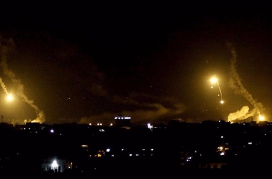 美国提供情报?以色列F-35再炸伊朗基地,摧毁18个目标炸死57人