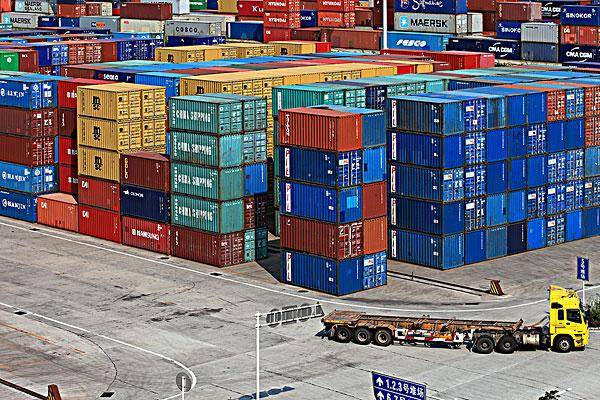 集装箱订单爆发性增长,集装箱生产企业招工不断,工人月入过万