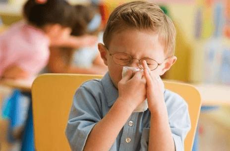 """孩子不服管教怎么办?父母要掌握""""阿伦森效应"""",让教育更省心"""