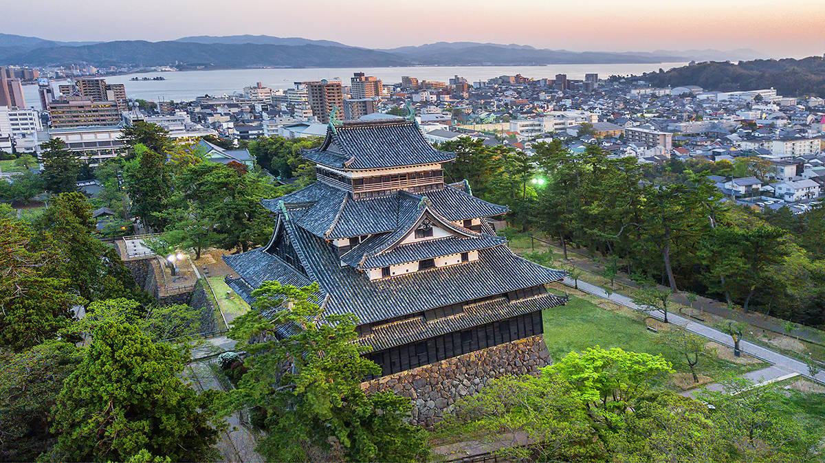 """""""中国地区""""有座松江城天守,躲过所有战乱,成为国宝和旅游圣地"""