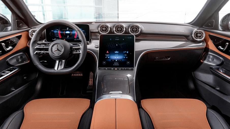 奔驰C级曝光C级AMG原装新一代将使用2.0T四缸发动机