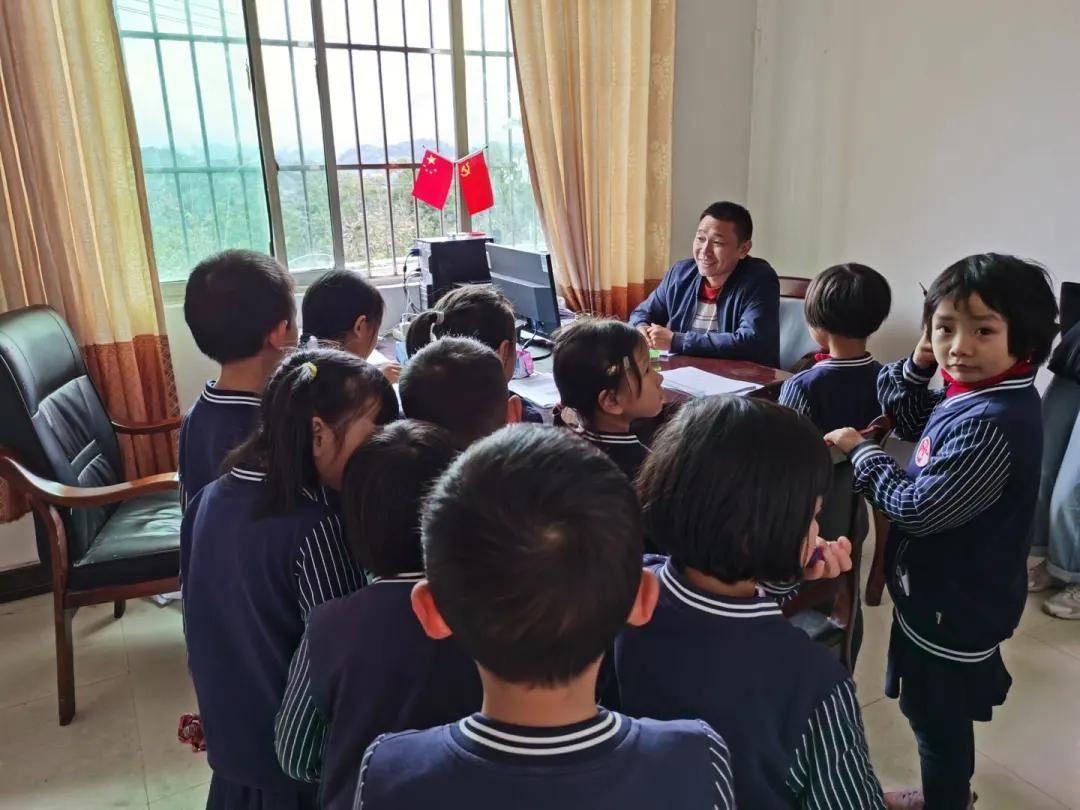 肖诗坚:中国乡村教育的出路在哪里?