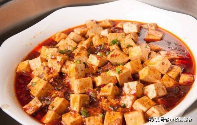 做麻婆豆腐时,直接下锅就废了,多加两步,豆腐不碎,没有豆腥味