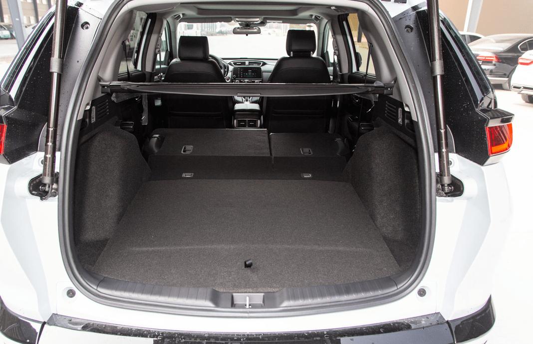 预算17万买合资SUV?起价16.98万,轴距2.6米,油耗4.9L L。
