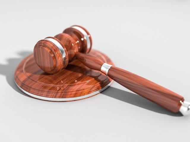 原男律师诈骗2900万挥霍无度,支付子女私立学校学费。现在他被捕了
