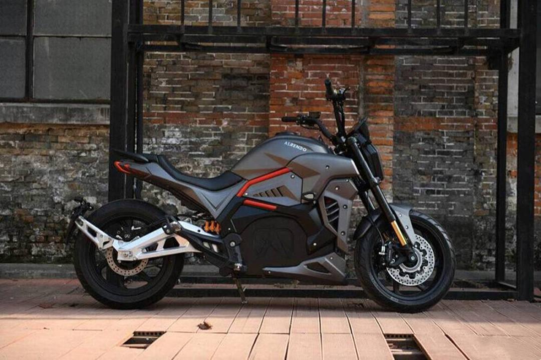 爆发力最强的4款电动车,时速超过120km/h,你更看好谁?