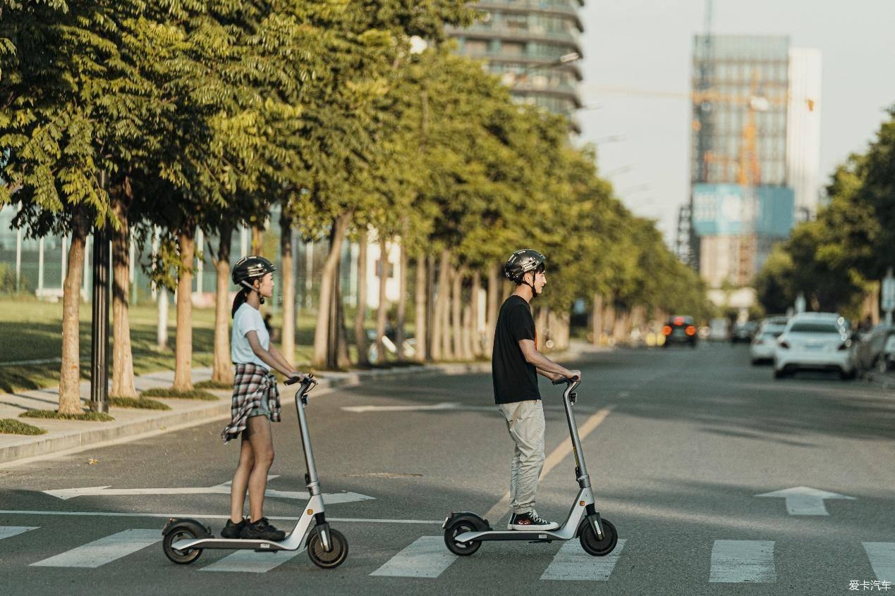 OKAI電動滑板車,上下班的代步優質之選