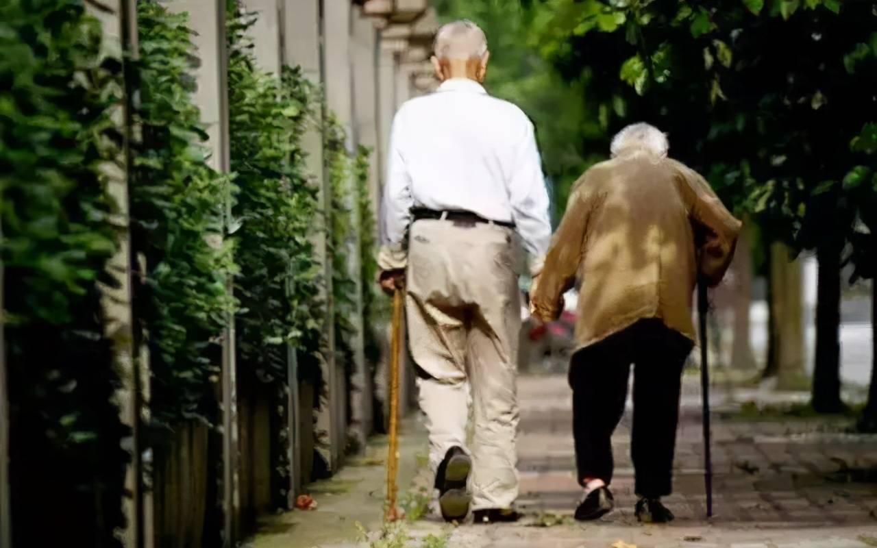 父母多少岁离世能接受?多数子女选择这个数,并非不孝
