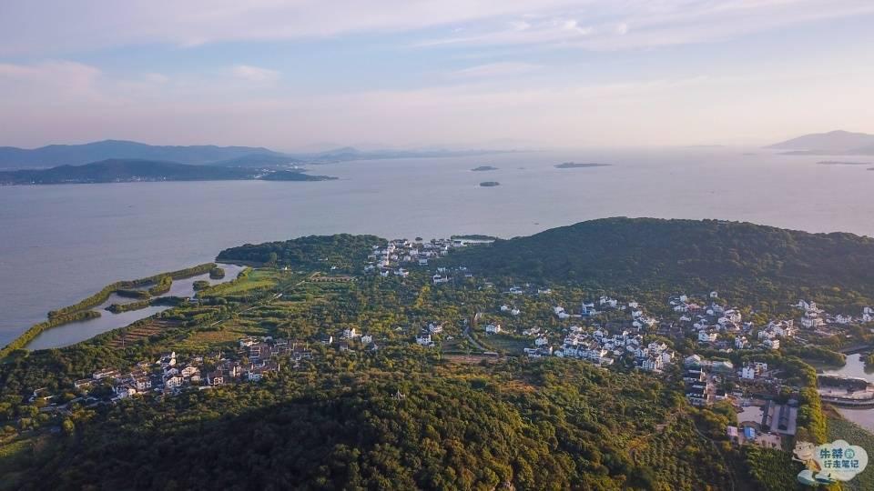 """苏州太湖中藏着一个""""世外桃源"""",始称小蓬莱,至今未与陆地相连"""