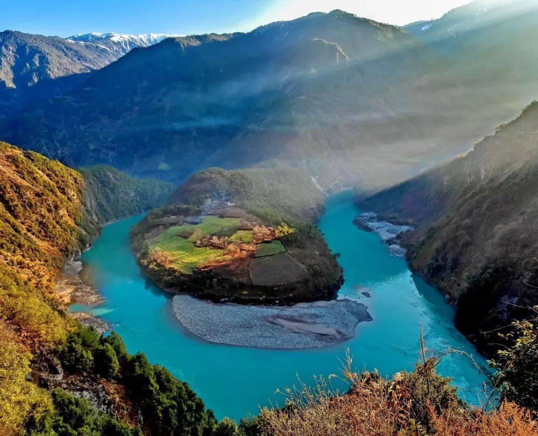 雅鲁藏布江上的墨脱水电站:发电量是三峡的3倍,能造福500万国人