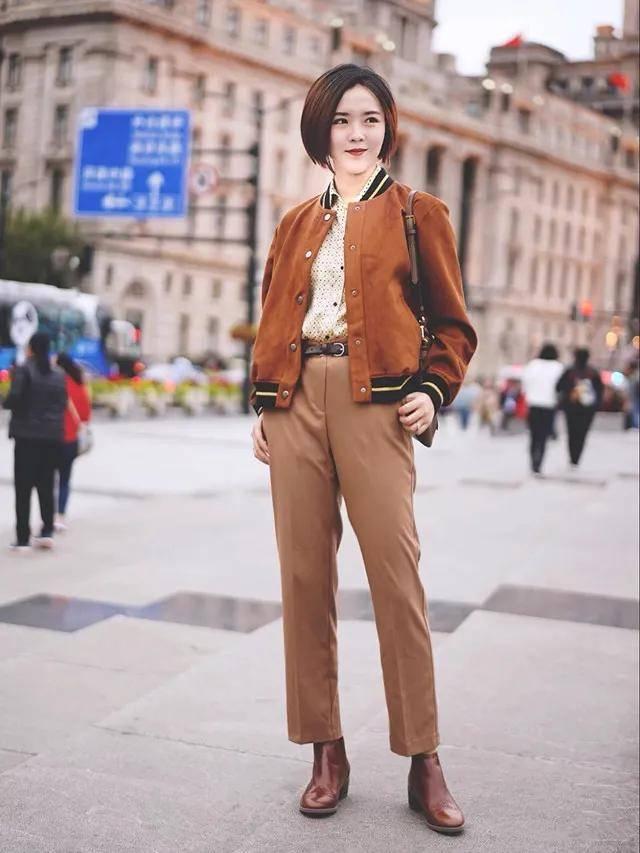 """阔腿裤靠边站,""""九分裤+短靴""""才是遮肉显瘦一把手,时髦还显高"""