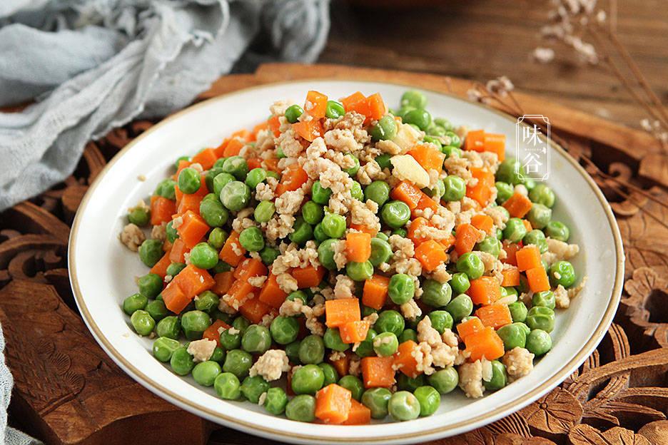 三月,多给孩子吃这豆,简单炒炒就上桌,回回都光盘,长个很需要