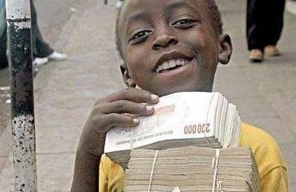 """世界最""""奢侈""""的国家:出门带零钱需百亿,甚至上厕所都以钱代纸"""