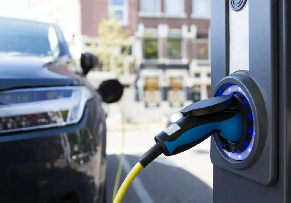 新能源汽车虚火熊熊,降火势在必行