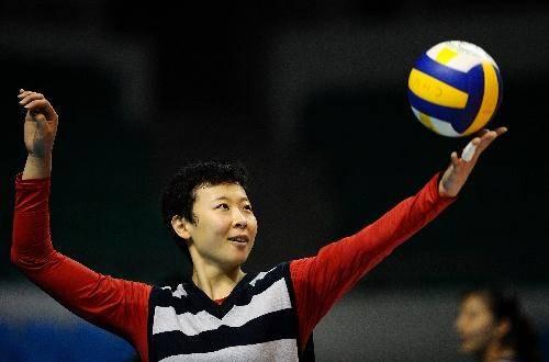 中国女排前队长,退役后爱上泰国排球教父,混血儿子长相可爱