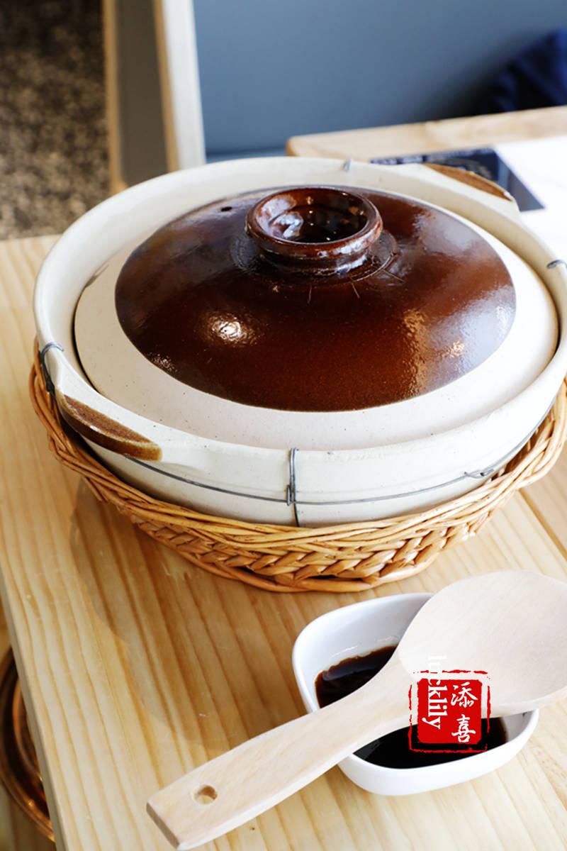 亿鼎烩锅物料理,5种食材8小时大火熬煮的猪肚鸡汤吃得才放心