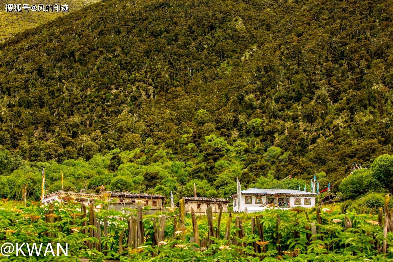 梅里雪山脚下的甲应村,是一个几乎与世隔绝的地方,但是被人誉为神的后花园