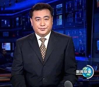 他的母亲是清华校长,主持新闻联播数十年零失误,58岁还孤身一人  第1张