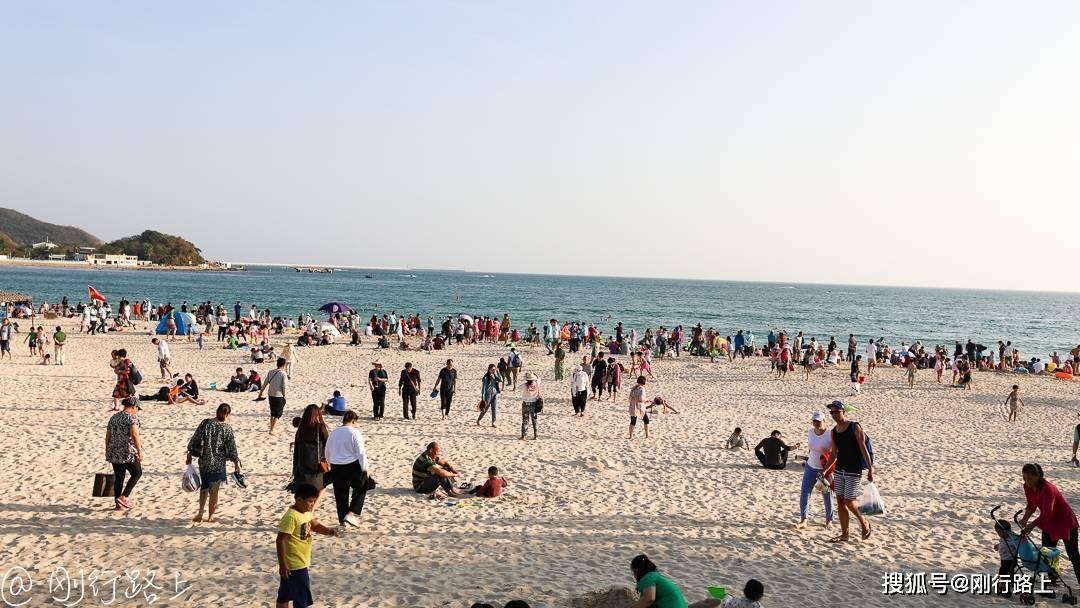 沙滩上慢时光静的生活状态,做个欢快的看海人