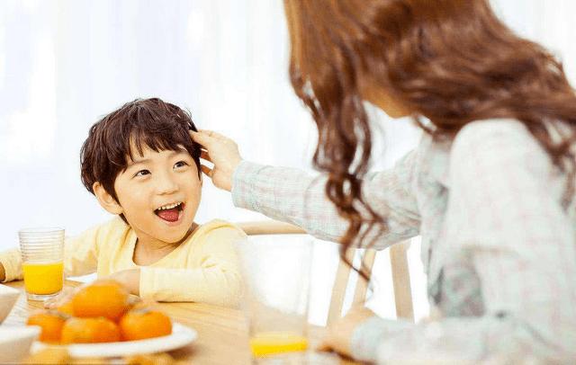 你家有冷暴力吗?孩子想到都想哭,还不如有爱的单亲家庭