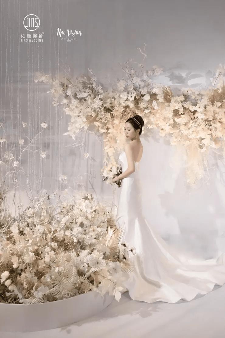 原創高貴優雅且如夢似幻的水晶主題婚禮,指引著我們走向幸福的殿堂
