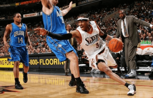 NBA有哪些让人无法抗拒的招式?全世界都知道艾弗森要往右,但你就是防不住